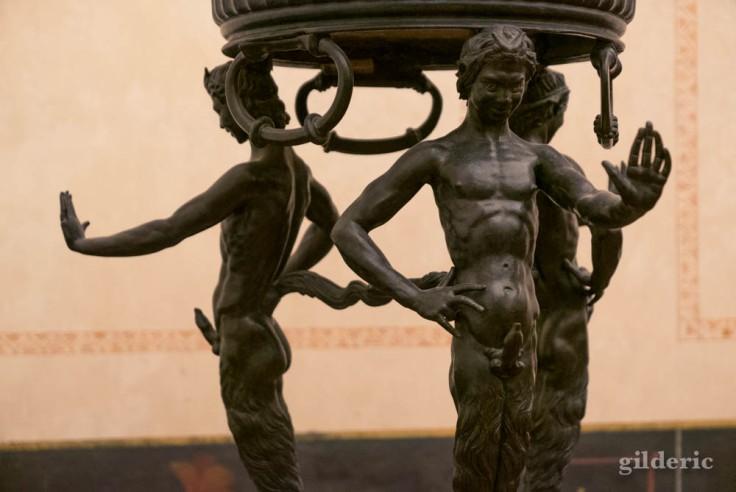 Brasero de Pompéi, détail des satyres(Cabinet secret, Musée archéologique de Naples)