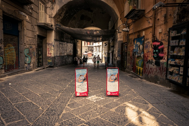 Visiter Naples : street art à la Porta Alba