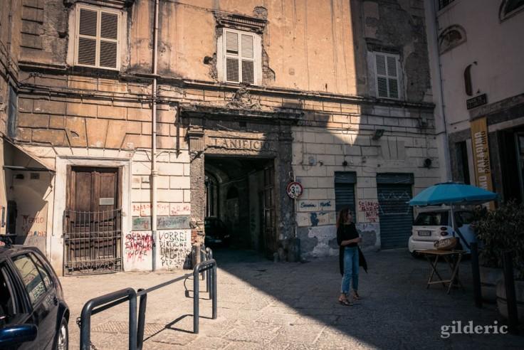 Visiter Naples : passé et délabrement
