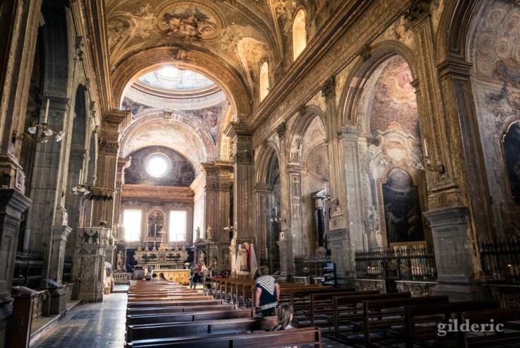 Visiter Naples : église Santa Caterina a Formiello (intérieur)