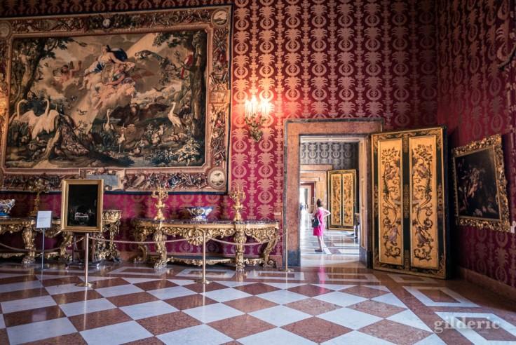 Visiter Naples : première antichambre du Palais royal