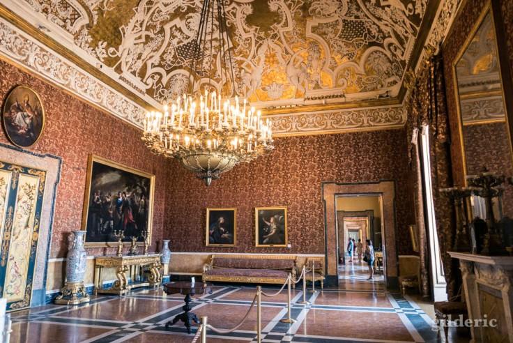 Visiter Naples : les appartements de la Reine (Palais royal)
