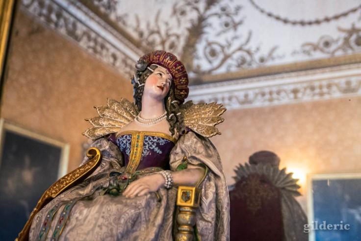 Palais royal de Naples : porcelaine fine