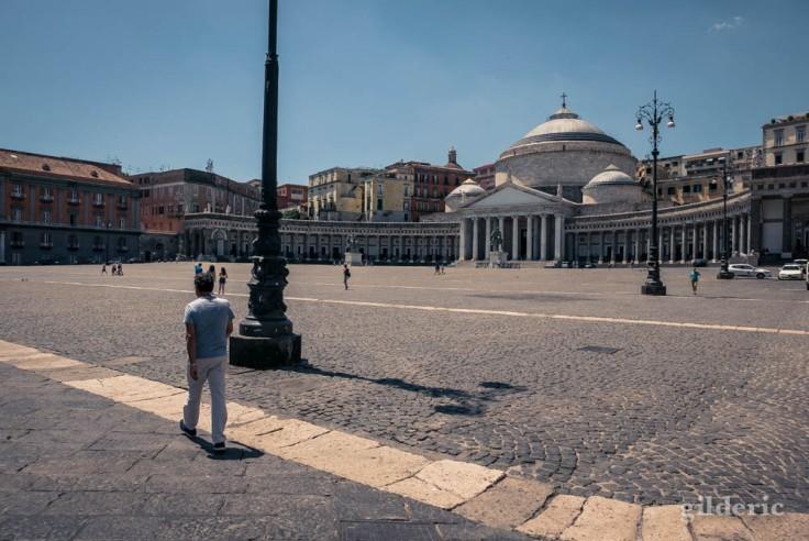 Visiter Naples : la monumentale piazza del Plebiscito