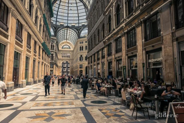 Visiter Naples : la Galleria Umberto I