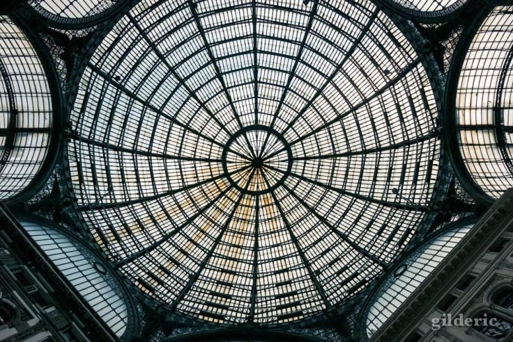 Visiter Naples : dôme de la Galleria Umberto I