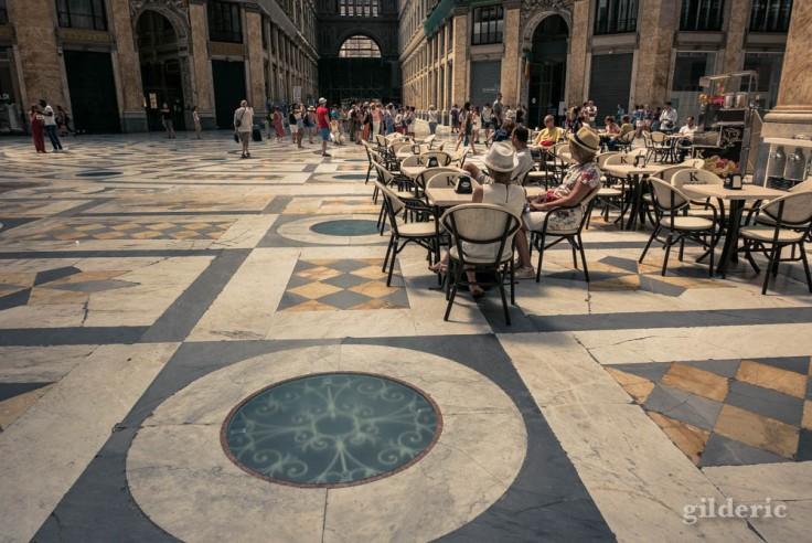 Visiter Naples : une pause dans la Galleria Umberto I