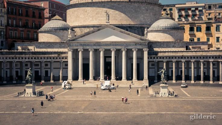 Détail de la Basilique San Francesco di Paola, sur la piazza del Plebiscito
