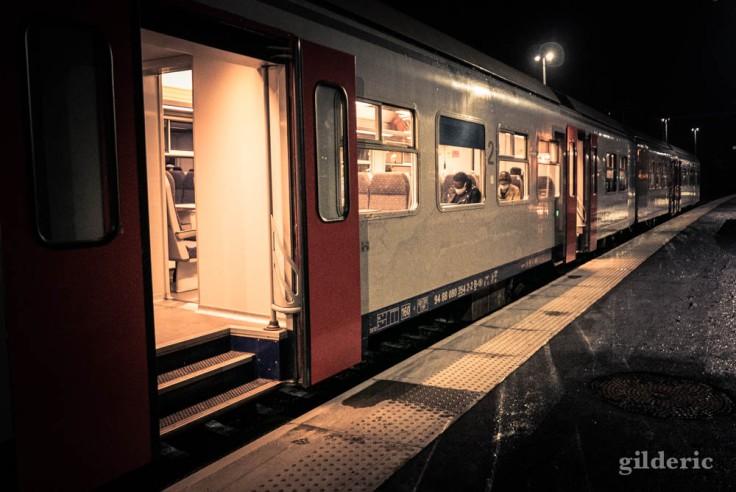 Un soir en gare de Visé : le train de Maastricht