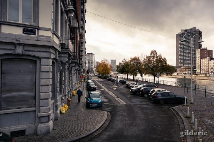 Reconfinement à Liège en automne, quai Van Beneden