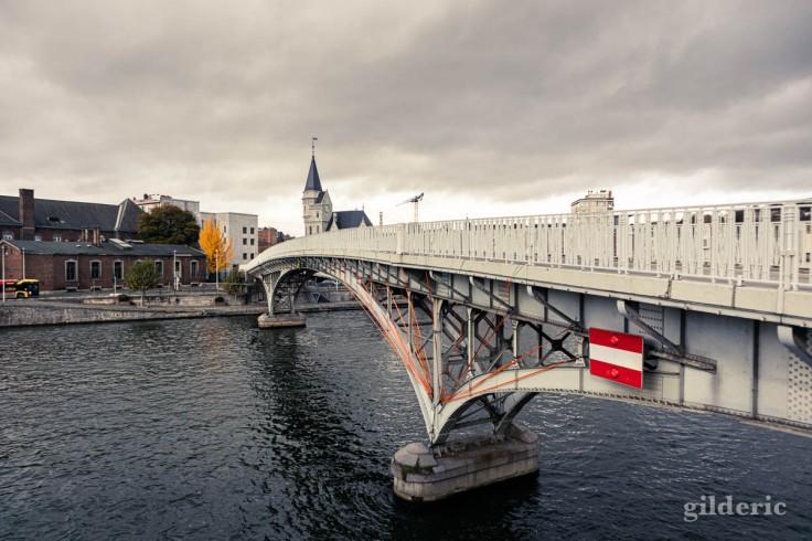 Liège en automne : la passerelle Saucy