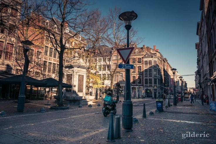 Liège en automne : lumière dorée sur la Place du Marché