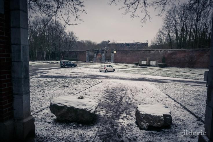 Devant le fort de la Chartreuse sous la neige