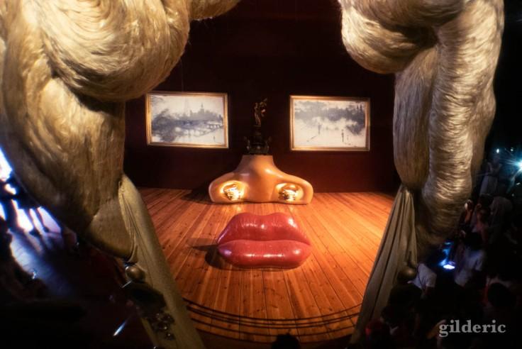 Mae West, portrait en trompe-l'oeil au Musée Dali à Figueiras