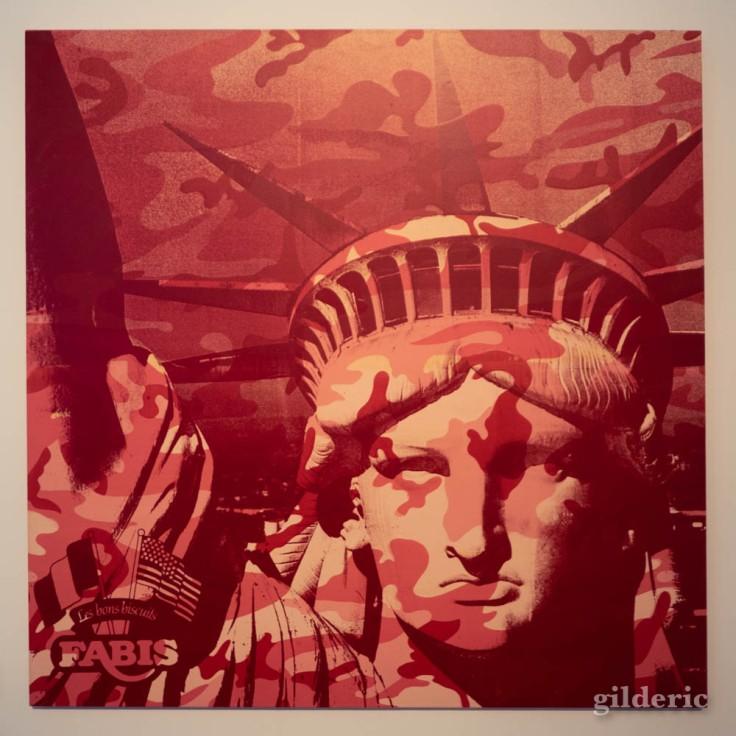 Statue de la Liberté et motif camouflage, une des dernières oeuvres de Warhol