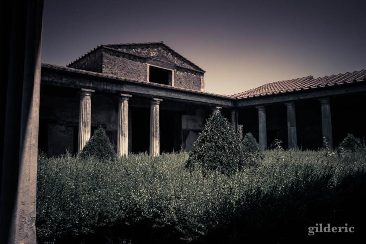 Dark Pompéi : le secret des villas romaines