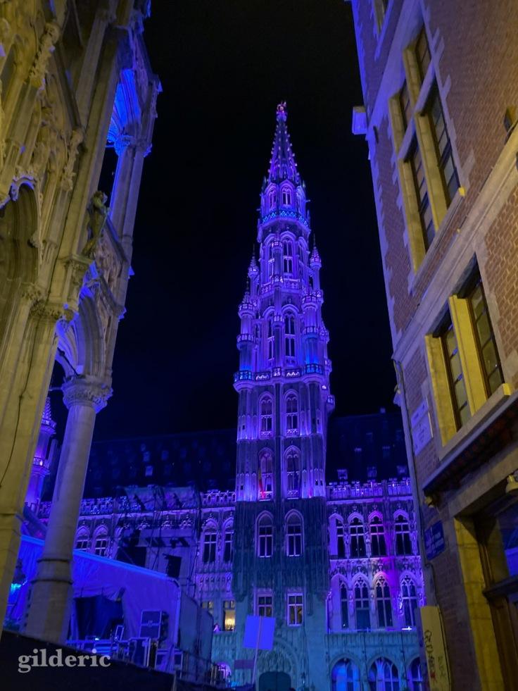 Tour de l'hôtel de ville, sur la grand-place de Bruxelles