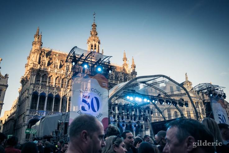 La scène d'Indochine, devant la Maison du Roi, devant la Grand Place de Bruxelles