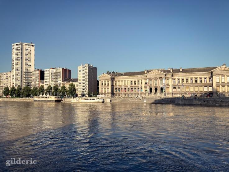 La Meuse en crue, accalmie après les inondations